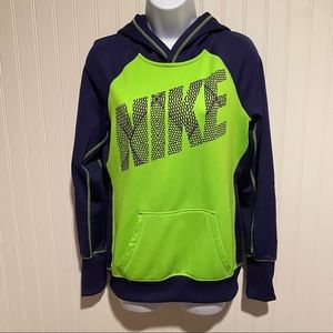 Nike women's Therma-fit hoodie small green